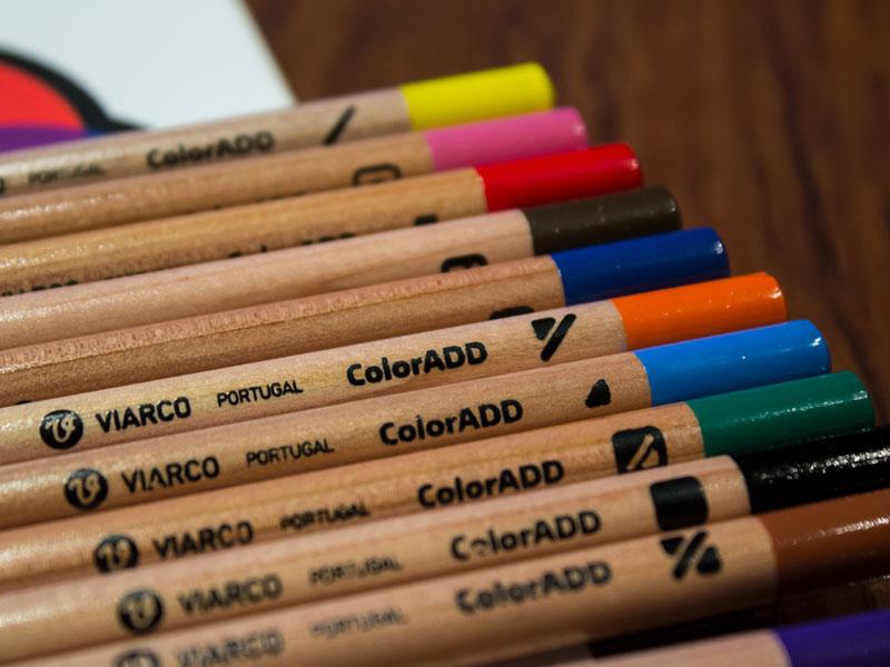 Fotografia de um conjunto de lápis da marca portuguesa Viarco