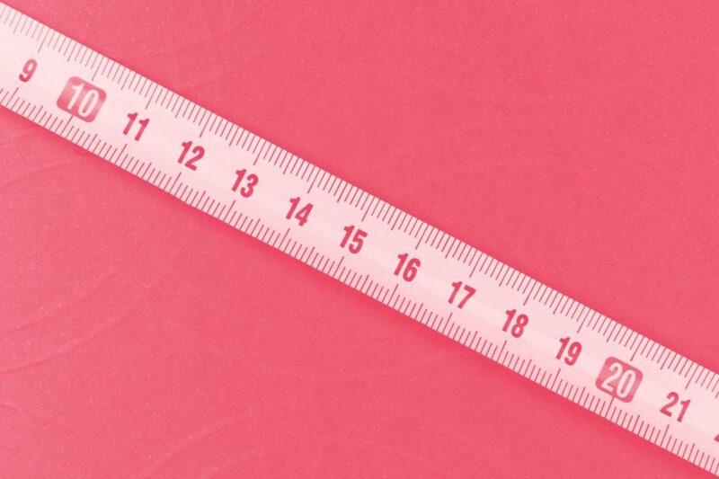 Fotografia de uma fita métrica alusiva ao conceito de métricas de usabilidade